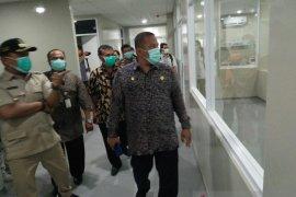 Rumah sakit rujukan COVID-19 di Karawang kekurangan perawat