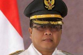 Bupati Aceh Barat sarankan warga tiadakan sementara budaya jabat tangan