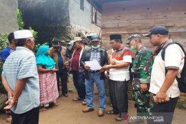 Pemkab Madina salurkan bantuan banjir