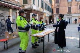 Angka kematian akibat virus corona tetap, Italia pertimbangkan kebijakan lanjutan
