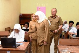 Dispendik Jatim perpanjang masa belajar siswa di rumah hingga dua pekan