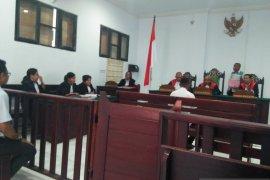 Tukang ojek berprofesi dukun dituntut delapan tahun penjara