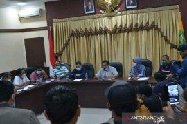 Kota Padangsidimpuan darurat COVID-19, wali kota: warga jangan panik