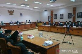 Bupati Sampang sampaikan LKPj 2019 ke DPRD melalui video konferensi