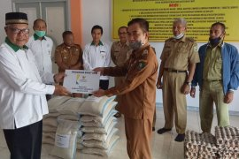 BAZNAS Sanggau salurkan bantuan warga terdampak COVID-19