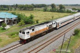 Mulai Jumat besok, KA penumpang tujuan Bandung dan Jakarta dihentikan