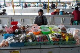 Pasar tradisional di Surabaya perketat protokol kesehatan cegah COVID-19