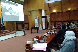 DPRD gelar teleconference dengan Wali Kota Surabaya terkait penanganan COVID-19