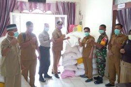 Pemkab Paser salurkan 3,1 ton beras untuk korban banjir  di Muara Komam