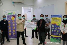 Karyawan BPJAMSOSTEK Kanwil Sumbarriau donasi perlindungan relawan COVID-19
