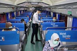 1.698 penumpang kereta api  Sumut batalkan pesanan tiket
