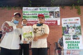ACT bagikan bantuan keluarga tuna netra prasejahtera Bekasi