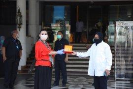 REI Jatim sumbang 6 ton beras ke dapur umum Kota Surabaya