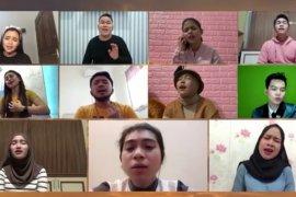 """19 penyanyi dangdut kolaborasi nyanyikan lagu """"Ibu Pertiwi"""""""