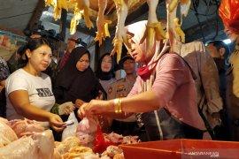 Tata cara berbelanja ke pasar secara daring di Bandung