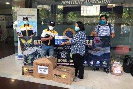 MBC Jatim sumbang baju APD Hazmat untuk dua rumah sakit di Surabaya
