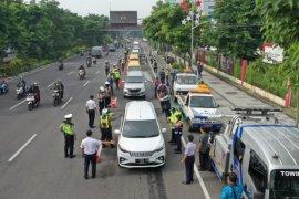 Pemkot tarik petugas pemantau di 19 titik akses pintu masuk Kota Surabaya