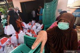 1,2 juta keluarga di DKI Jakarta terima bantuan sembako