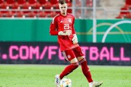 Leverkusen rekrut kiper muda Jerman, Lennart Grill