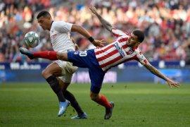 Liverpool disaingi klub-klub Spanyol dalam berburu  Diego Carlos