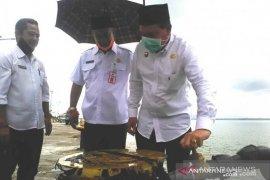 PDAM Kotabaru melakukan diversifikasi usaha dengan jual air ke kapal