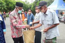 Pemkab bagikan 1.500 masker kain produksi IKM lokal