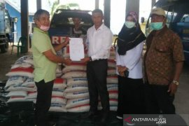Pemkab Aceh Tengah terima 100 sak beras bantuan perusahaan swasta