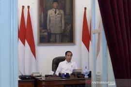 Presiden Jokowi minta pengusaha pertahankan pekerja