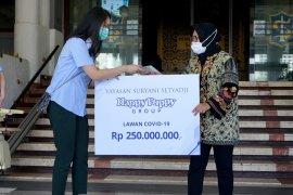 Happy Puppy Group donasikan Rp250 juta ke Pemkot Surabaya