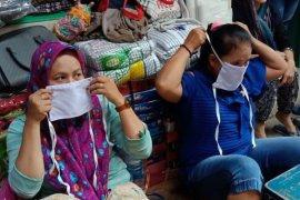 Pedagang pasar di Kota Surabaya wajib pakai masker dan sarung tangan