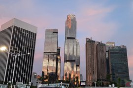 Hari pertama PSBB, cuaca berawan selimuti Jakarta