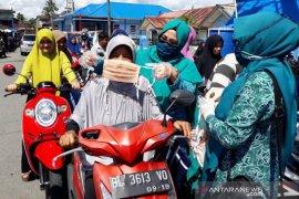 PKK Nagan Raya bagikan 1.000 masker cegah corona