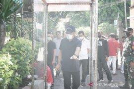 24 pasar rakyat di Denpasar dipasangi bilik antiseptik cegah COVID-19