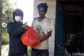 PT Timah gandeng pewarta salurkan bantuan bahan pangan pokok di Muntok