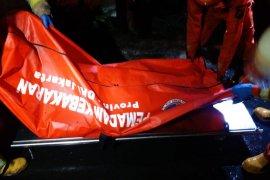 Lansia tewas dalam kebakaran warung di Cawang