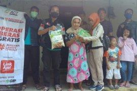 ACT Madiun salurkan bahan pangan untuk warga terdampak COVID-19