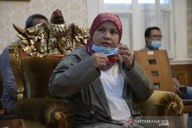 Anggota DPR serahkan bantuan paket sembako BNPB untuk Cianjur dan Bogor