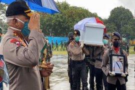 Kapolda dan Pangdam lepas jenazah tiga polisi korban bentrokan di Mamberamo Raya