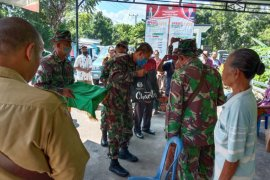 Satgas TMMD Kodim bagikan 1.000 masker dan sembako ke masyarakat Buleleng