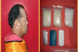 Pengemudi ojek disergap ketika transaksi 298,92 gram sabu-sabu