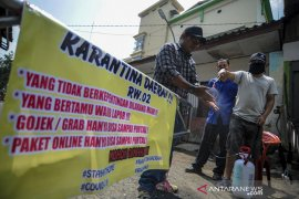 Karantina wilayah mandiri di Bandung
