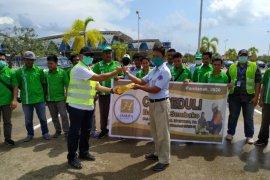 PT CMI bagikan 2.160 paket sembako untuk warga terdampak corona