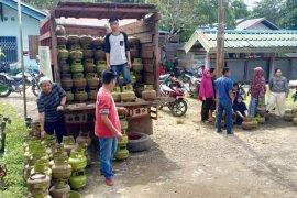 PT Energi Khatulistiwa gelar operasi pasar elpiji di batas Indonesia - Malaysia