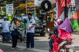 Baznas Lebak bagikan ribuan masker cegah corona