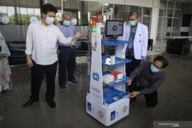"""ITS-Unair luncurkan robot """"RAISA"""" layani pasien COVID-19"""