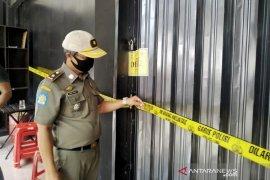 Satpol PP Kota Bandung segel tempat karaoke yang masih beroperasi