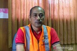DLH Belitung wajibkan petugas kebersihan gunakan masker