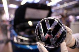 Volkswagen hentikan pengiriman Golf 8 akibat software bermasalah