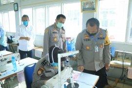 Polwan diberi pelatihan jahit masker saat COVID-19