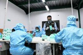 Gubernur Jabar: Kebutuhan APD dan masker di Jabar akan terpenuhi